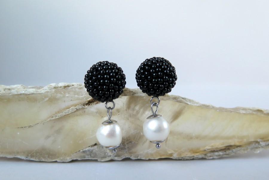 """Juodos """"Gervuogėlės"""" su perlais"""