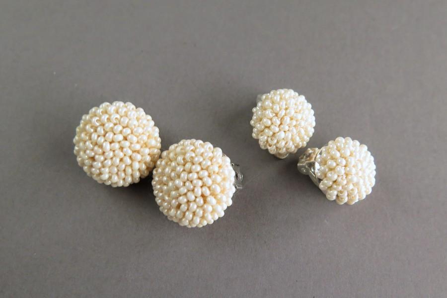 """Kreminės perlų spalvos apvalūs klipsai """"Gervuogėlės"""""""