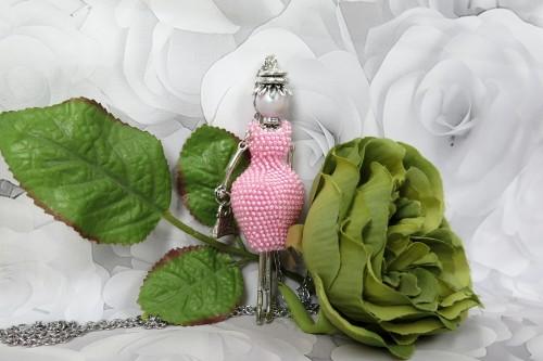 Rožinė damutė pūsta suknele
